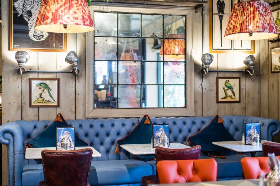 Kodu: 7870 - Chester Restoran Cafe Tasarımı Deri Chester Koltuklar